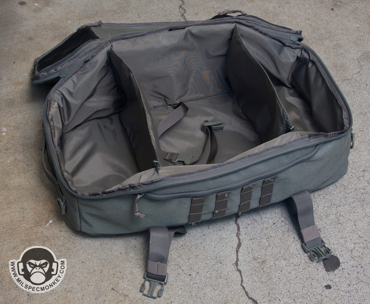 """Main compartment  26"""" x 13"""" x 9"""" with two padded dividers. Frontal top  compartment  10"""" x 7"""" x 2"""" Internal pockets  8"""" x 6"""" x 2"""" (two) 7892ed3f5621"""